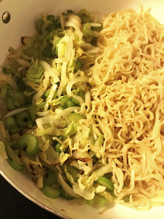 A step-by-step recipe on how to make Panda Express Lo Mein