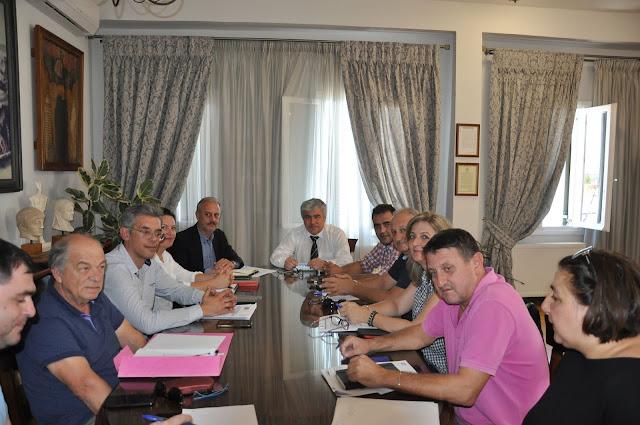 Πρέβεζα: Σύσκεψη για το Ανοικτό Κέντρο Εμπορίου Πρέβεζας πραγματοποιήθηκε στο Δημαρχείο της πόλης