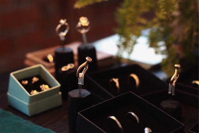 UROCZYSTOŚĆ alternatywne targi ślubne w Warszawie. biżuteria ślubna, kolczyki, obrączki, Bytomski/Bytomska jewellery biżuteria autorska, rzemieślnicy, jubilerzy, artyści