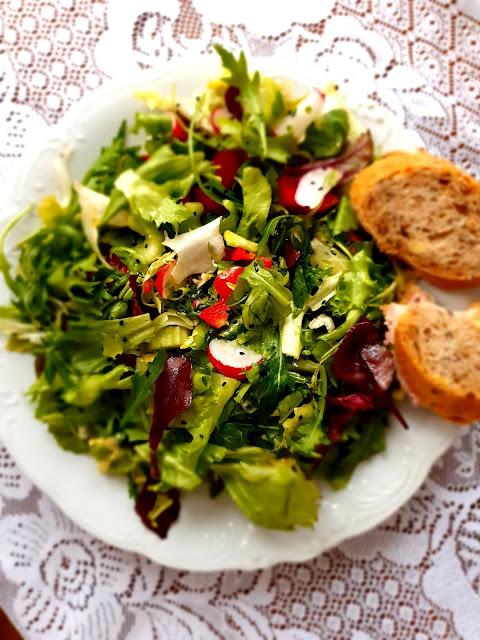 sałatka szybka sałatka,ryżowa ałatka,sałatka z rukoli,z kuchni do kuchni najlepszy blog kulinarny,zdrowa radość zycia,lunch mix, sezam, kuchnia polska, impreza (1)