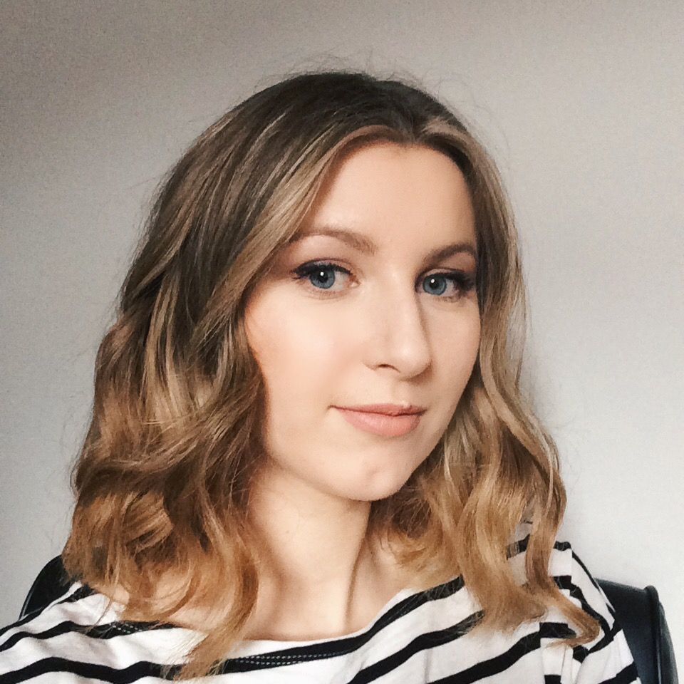 She's So Lucy UK British Health Wellness Beauty Blog Melanie Giles Bath Review Natalie Balayage Lob Long Bob Textured Hair Blonde