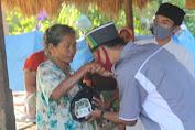 IPNU Bagi Sembako untuk Warga Lombok Tengah.