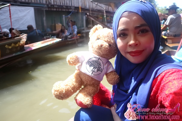 Face Mist Herlysa Peneman Cik iena Melancong ke Bangkok