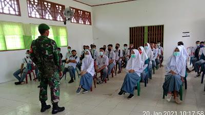 Tingkatkan Minat Siswa Masuk TNI, Babinsa 01/Pc. Soal Lakukan Sosialisasi