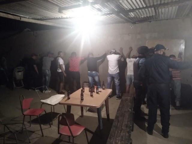 Policías acabaron con una Coronaparty en un barrio de Coro