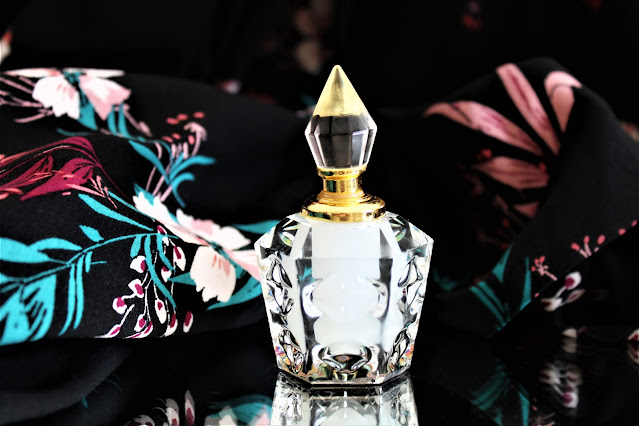 musc tahara ard al zaafaran avis, musc tahara, musc tahara elixir de parfum, parfum oriental, parfum au musc blanc, parfum féminin, blog parfum, perfumes, perfume blog, parfums