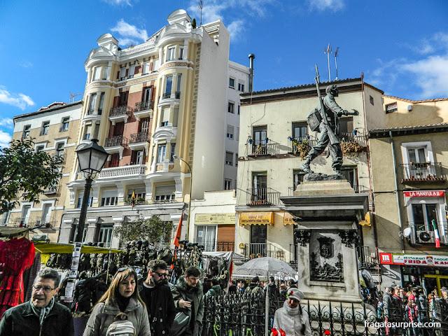 Feira do Rastro, bairro de La Latina, em Madri