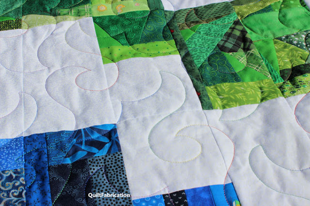 variegated thread for quilting on the Rainbow Celilo quilt