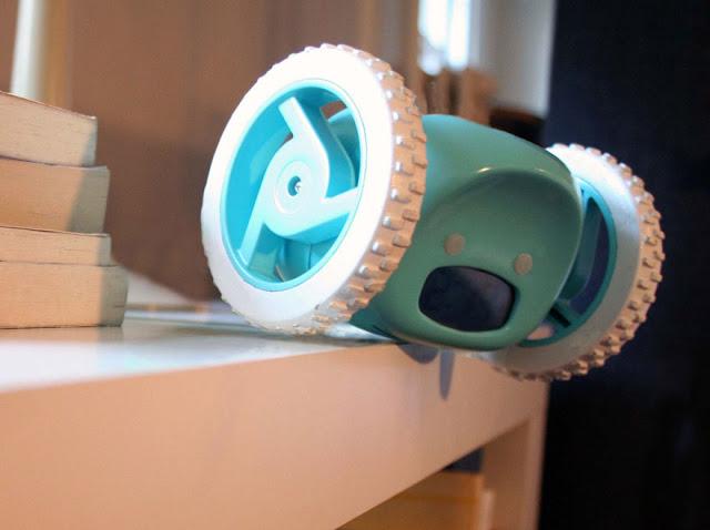 omorfos-kosmos.gr - Clocky: Μηχανοκίνητο ξυπνητήρι που τρέχει μακριά για να μην το κλείσεις! (Εικόνες)
