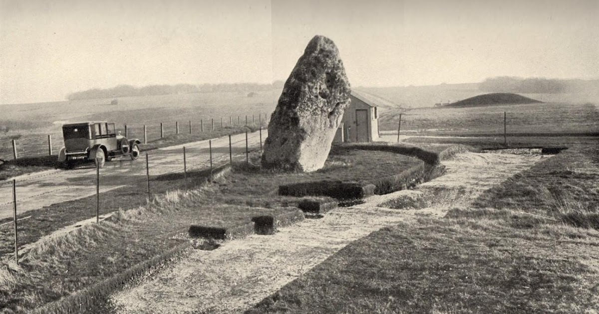 a history of stonehenge Archaeologists have found the exact holes in a rocky outcrop in wales from where the bluestones found at stonehenge originated, revealing that they were quarried 500 years before they were assembled into the famous stone circle that still stands today in wiltshire, england the dramatic discovery suggests that the.