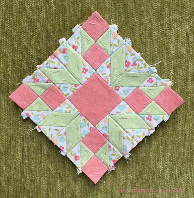 The Farmer's Wife Sampler Quilt (20's) 87 Star Gardener