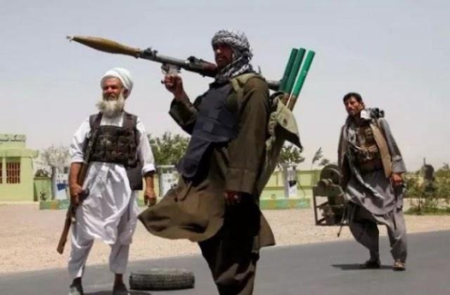 सरकार बनने से पहले बढ़ी तालिबान की मुसीबत, अफगान में फूट सकता है 'गृहयुद्ध' ।
