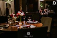 festa de formatura em direito pela PUCRS realizada no restaurante eleven dinner room em proto alegre com decoração clássica elegante e sofisticada em marsala e ouro rose por fernanda dutra eventos