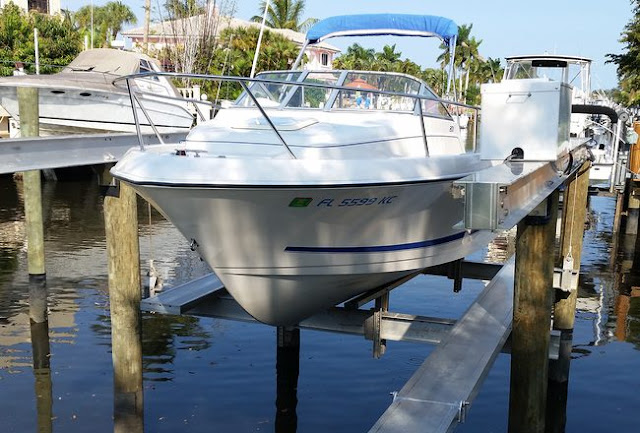 Listing for Boating Gear Companies: Boat Hoists, Boat Lifts, etc.