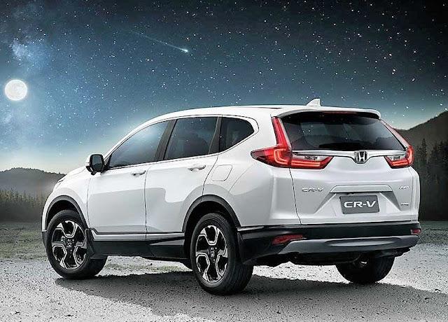 All New 2018 Honda CR-V Rear Angle Image