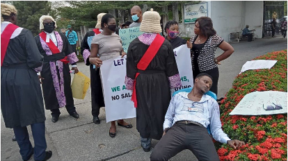Cross River: Magistrate slumps at the entrance to Gov Ayade's office as demonstration continues on the second day.