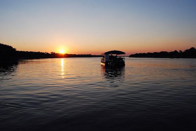 coucher de soleil sur le fleuve Zambèze