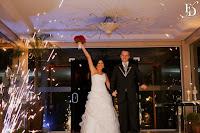 casamento com cerimônia e recepção no party room em porto alegre com decoração muito simples em nude vermelho e branco por fernanda dutra cerimonialista em porto alegre