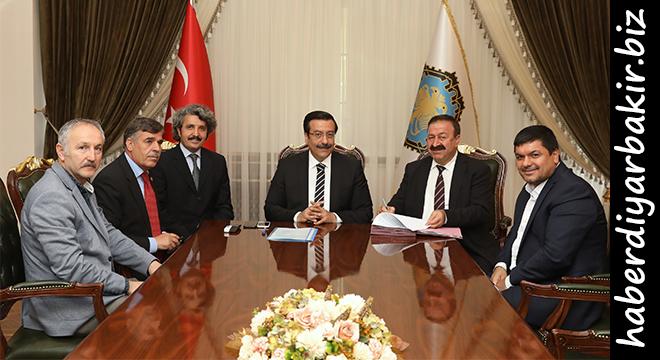 Diyarbakır Büyükşehir Belediyesi ile Bem-Bir-Sen arasında Sosyal Denge Sözleşmesi imzalandı