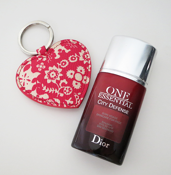 Dior One Essential City Defense SPF 50