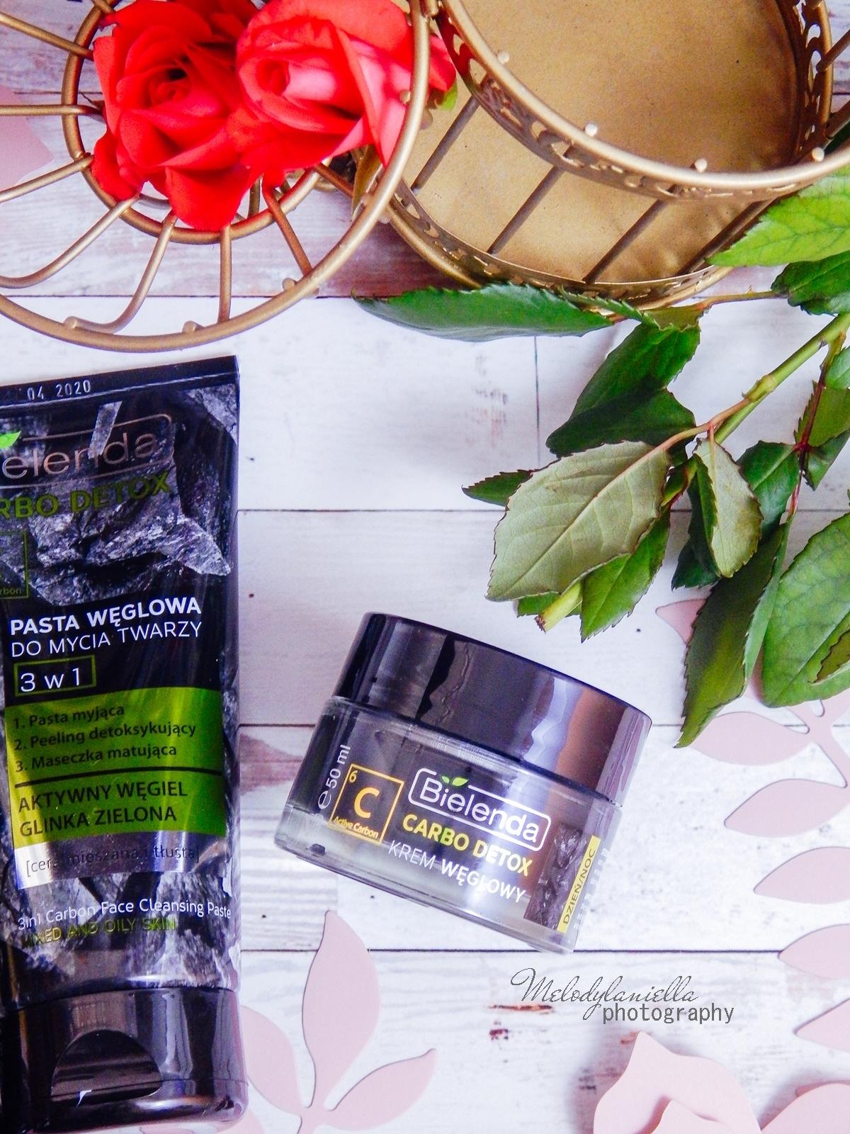 Bielenda Carbo Detox, recenzja kremu z węglem aktywnym, żelu do mycia twarzy. Węglowa pasta do mycia twarzy, peeling, maseczki do cery tłustej, trądzikowej z niedoskonałościami. Jak zwalczyć tłustą cerę. Kosmetyki do cery mieszanej. Węgiel aktywny, glinka zielona.
