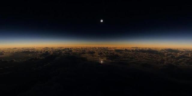 Video Gerhana Matahari Total Yang Di Ambil Dari Atas Pesawat