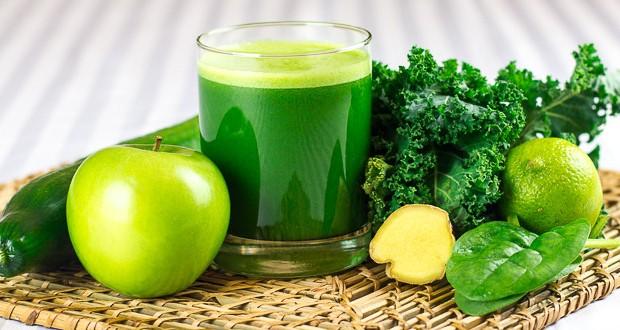 Suco Detox de Couve com Limão