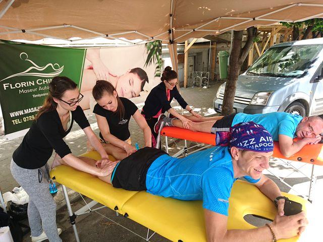 Echipa de masaj Chindea & Angels din Timisoara la Maratonul, semimaratonul și crosul Aradului 2017. Îngerasele in actiune