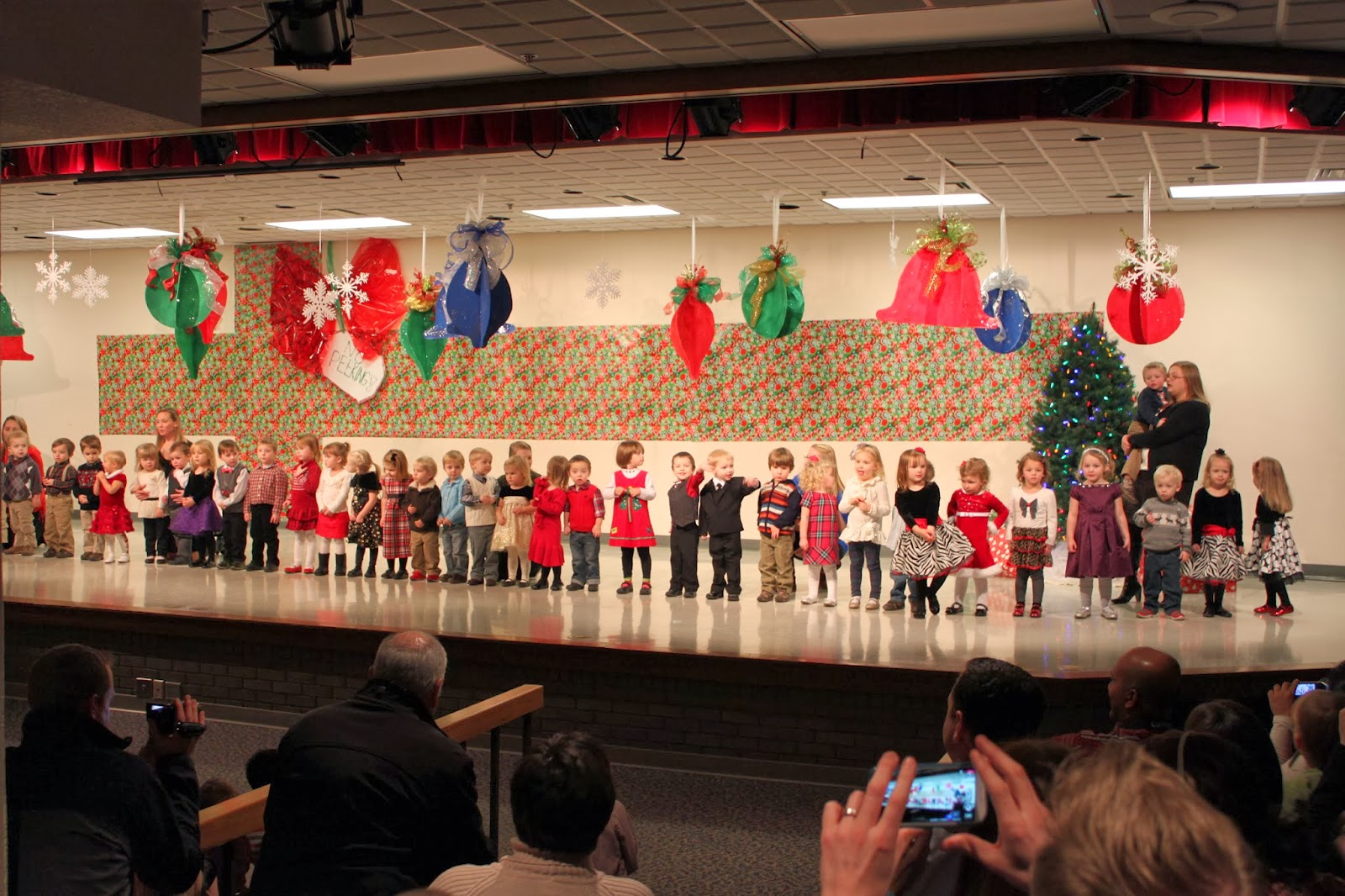 Christmas Concerts Near Me.Rhubarb Linen Nina S First Christmas Concert And Other