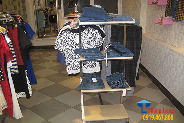 Bán giá kệ trưng bày quần áo thời trang