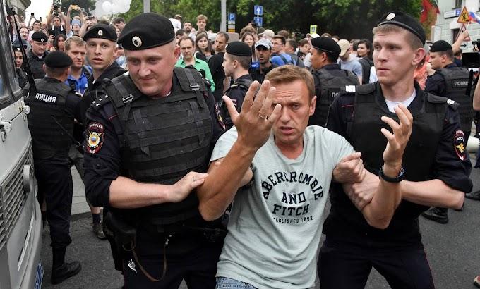 Navalnijhoz fűződő csoportok szélsőségessé minősítését kezdeményezte a moszkvai ügyészség
