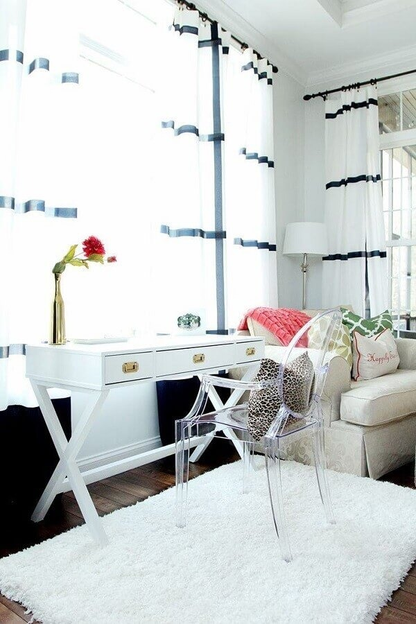 How to choose the ideal transparent chair