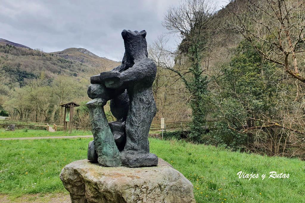 Monumento de la osa de Tuñón