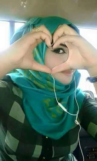 نورة من ليبيا مقيمة في السعودية أبحث عن التعارف بقصد الزواج