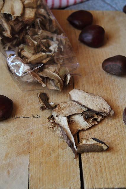 Risotto-con-castagne-funghi-porcini-secchi