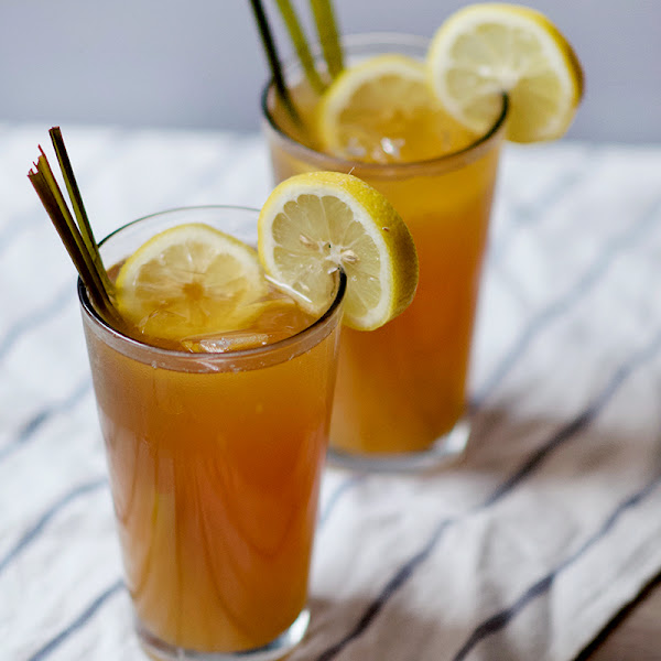 Lemongrass Mint Arnold Palmer (Lemonade Tea)