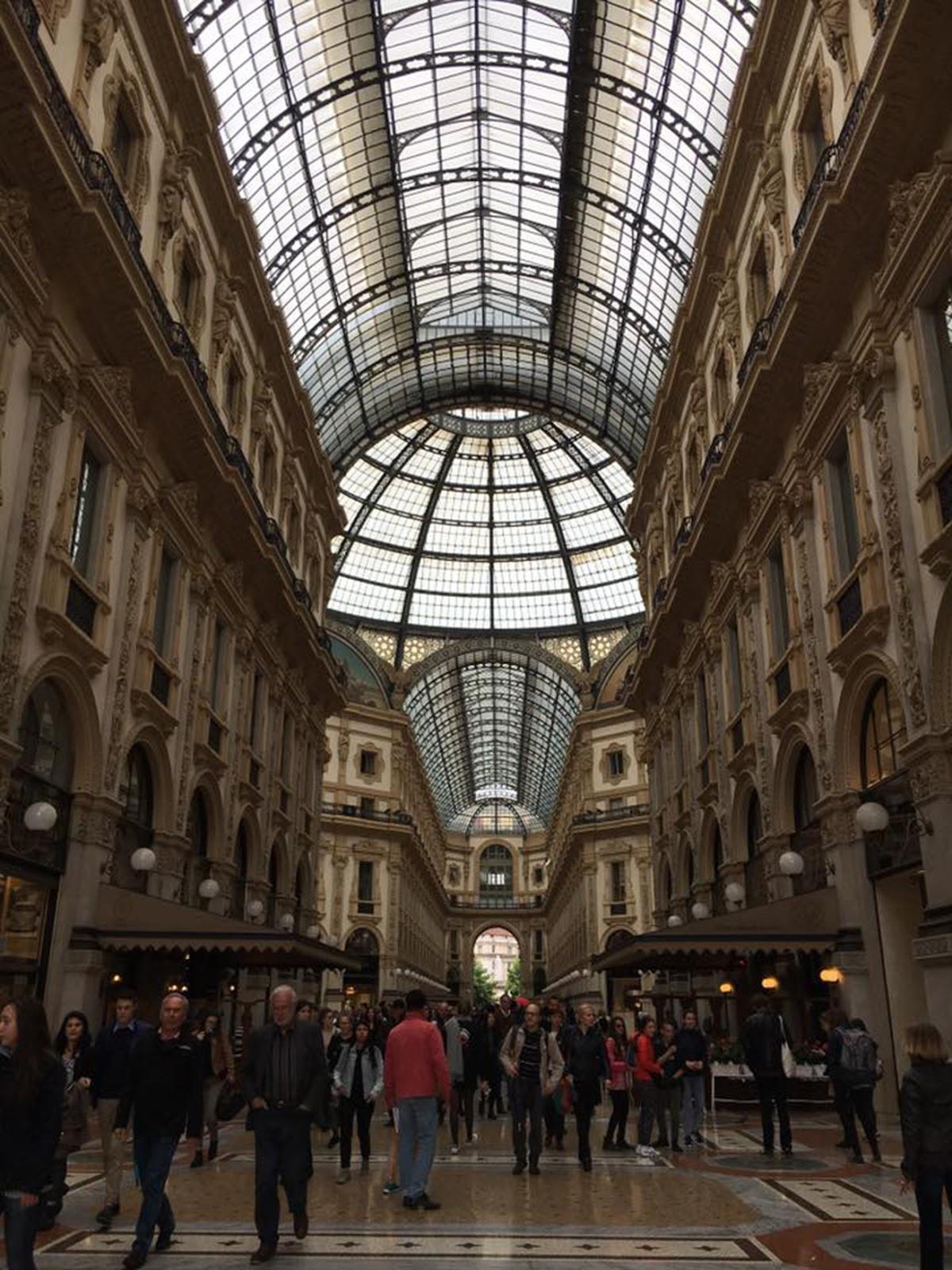 galleria vitorrio emanuele, milan shopping, shopping in milan, luxury shopping, designer shops in milan, things to see in Milan, things to do in Milan