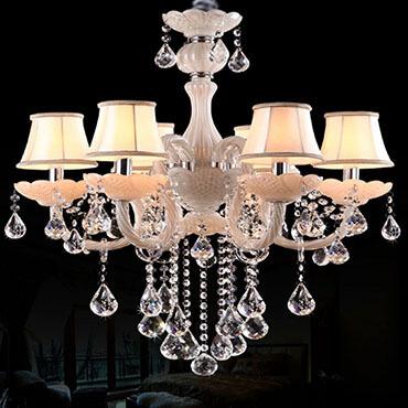 Đèn chùm trang trí giá rẻ có đảm bảo chất lượng?