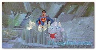 Superman dihadapan crystal miliknya