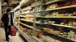 H Γαλλία αναγκάζει όλα τα σουπερμάρκετ να δίνουν το απούλητο φαγητό στους φτωχούς
