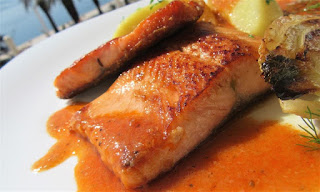 Trout from the pan with the sauce