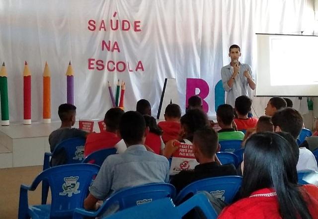 Profissionais da Saúde de Ibicoara realizam Feira da Saúde nas Escolas