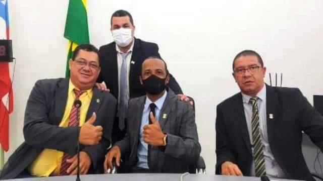 Reajuste e 13º salário para vereadores de Itapetinga é um tapa na cara da população