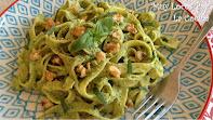 Pasta con Pesto de Aguacate, Espinacas y Nueces