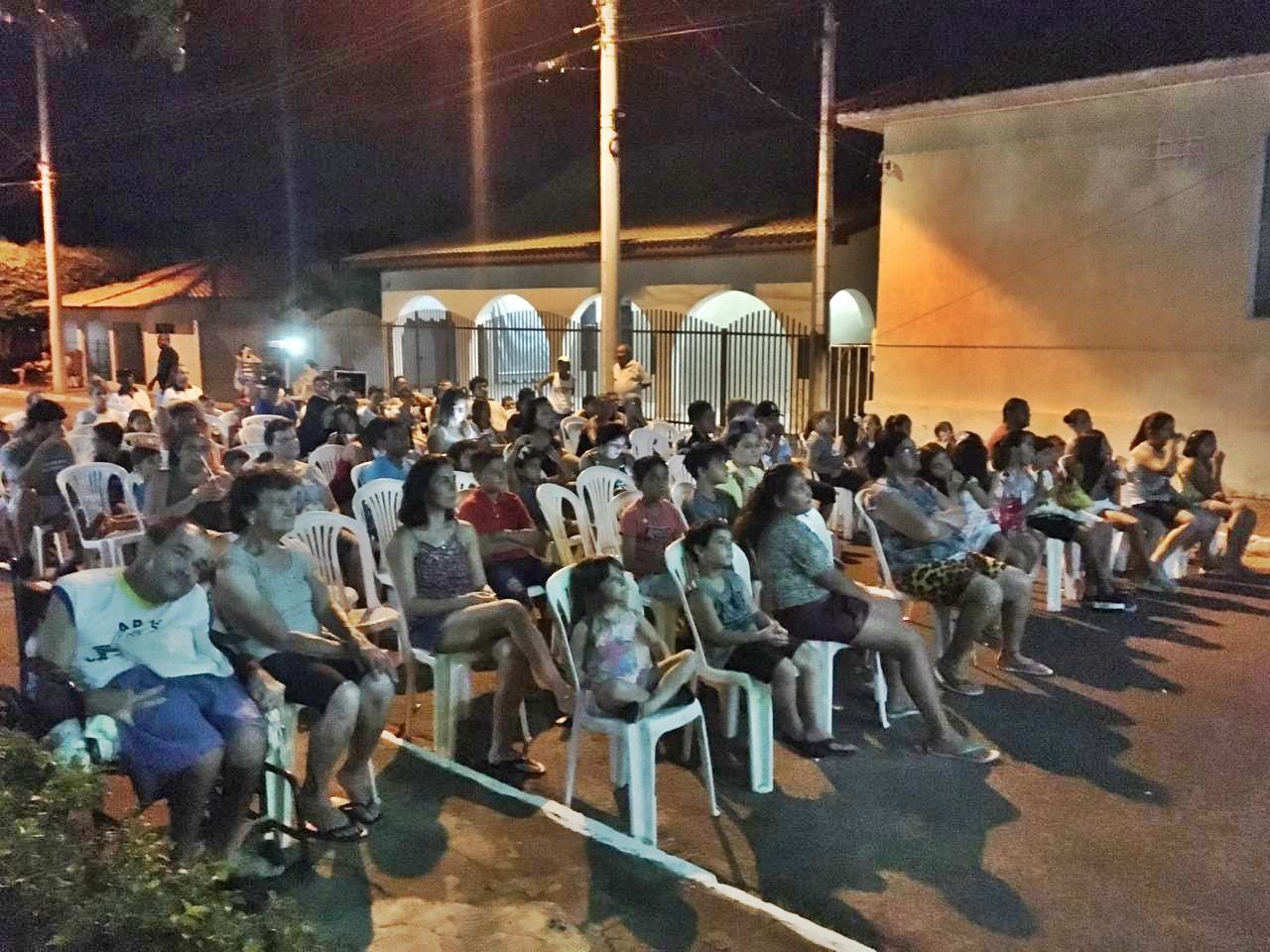 """Projeto """"Cine Cidade - Cinema para todos"""" é realizado no distrito de Monte Verde Paulista"""