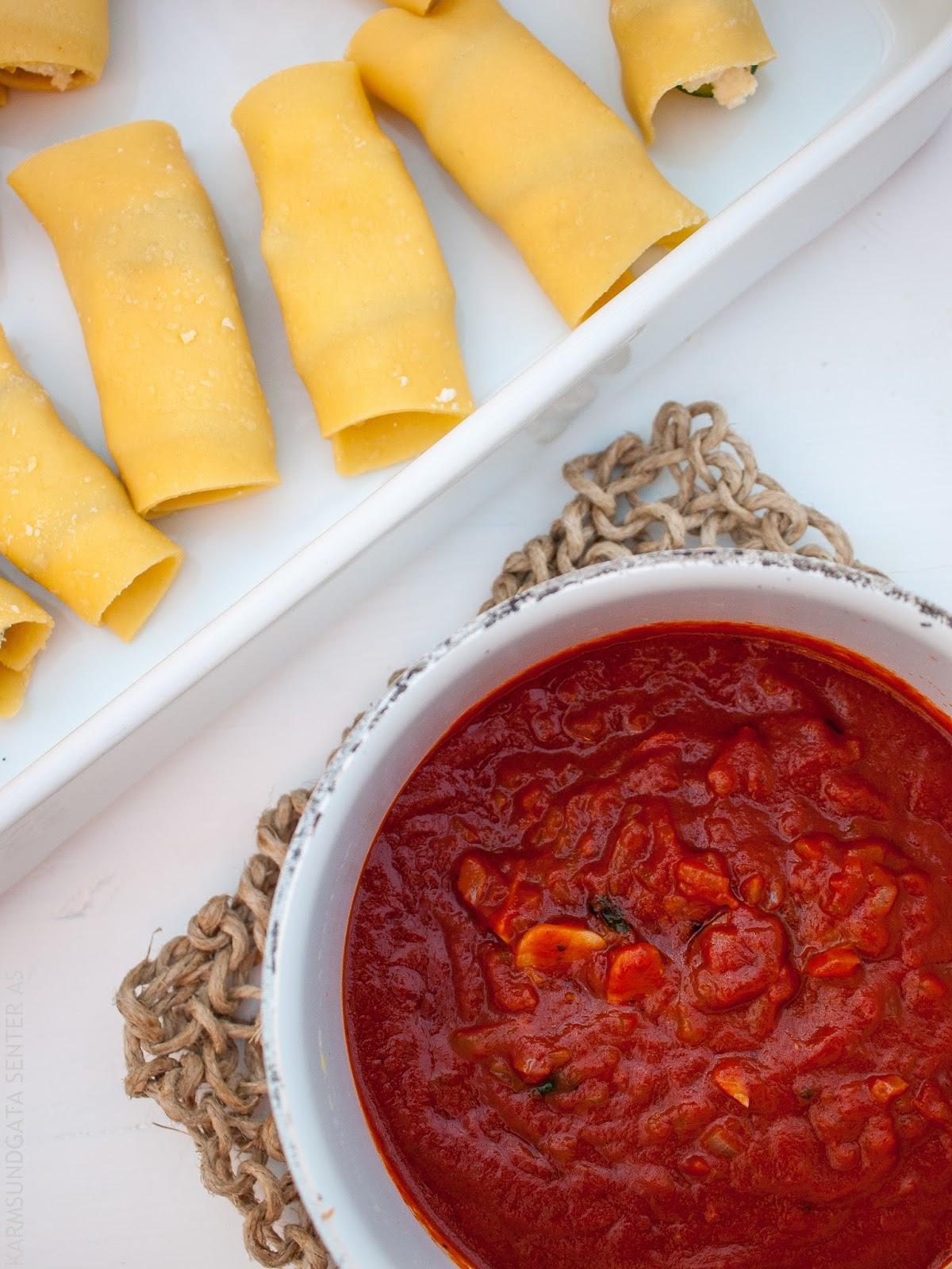 Lasagneruller med zucchini, ricotta og basilikum