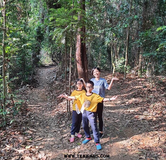 How to climb bukit beruang Melaka