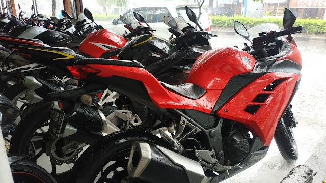 Jual Motor Bekas Kawasaki Ninja 250 Fi Tahun 2015 warna merah
