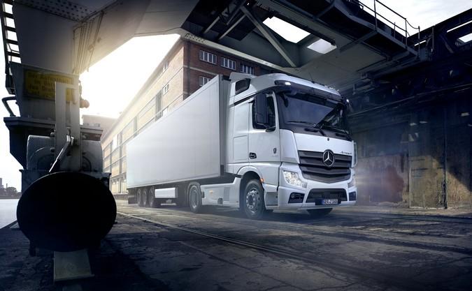 Mercedes-Benz inicia vendas do Novo Actros com cabine brasileira na Europa