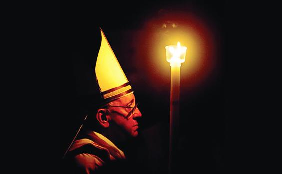 Paus Fransiskus merayakan malam Paskah